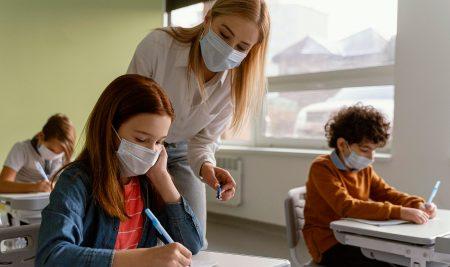 Como afecta la mascarilla en la voz de los docentes